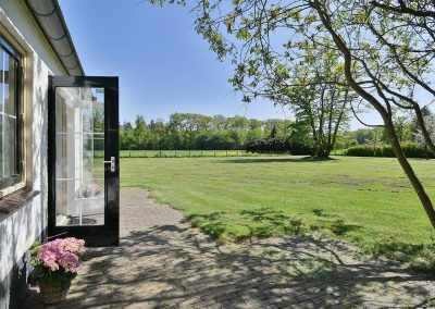 De Lariks terrace and garden